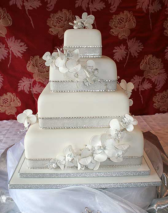 Wonderful Silver and White Square Wedding Cakes 547 x 692 · 45 kB · jpeg
