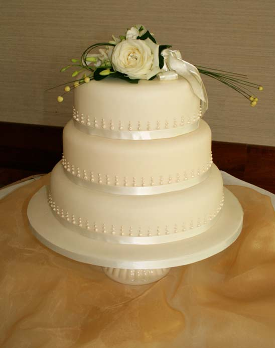 12 inch wedding cake heavenly cakes 10023